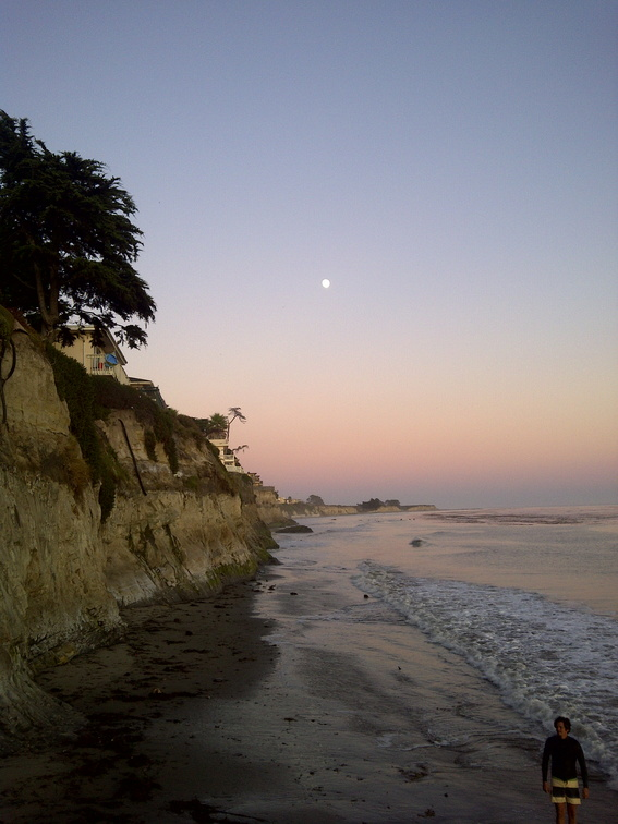 Santa_Barbara_beach_at_sunset.jpg