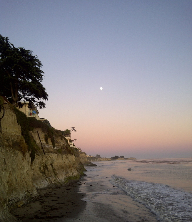 Santa_Barbara_beach_at_sunset_001.jpg
