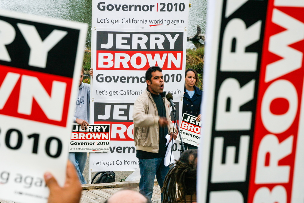 Jerry Brown Campaign Kickoff 2010-38.jpg